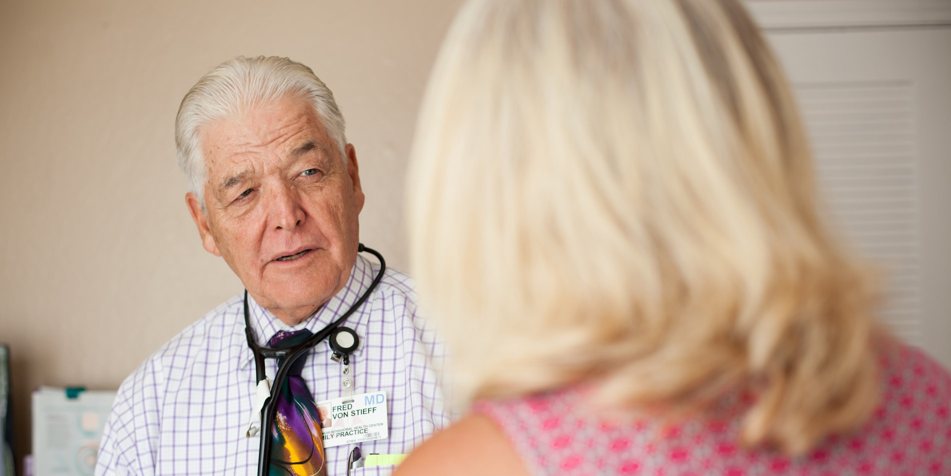 Concord Addiction Physicians - Image of Dr. Von Stieff with a patient